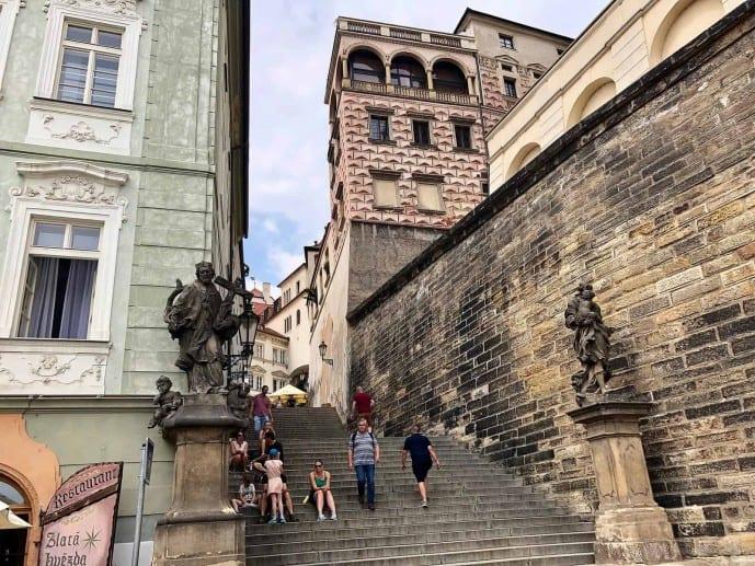 Where is Outlander filmed in Paris? Outlander series 2 locations