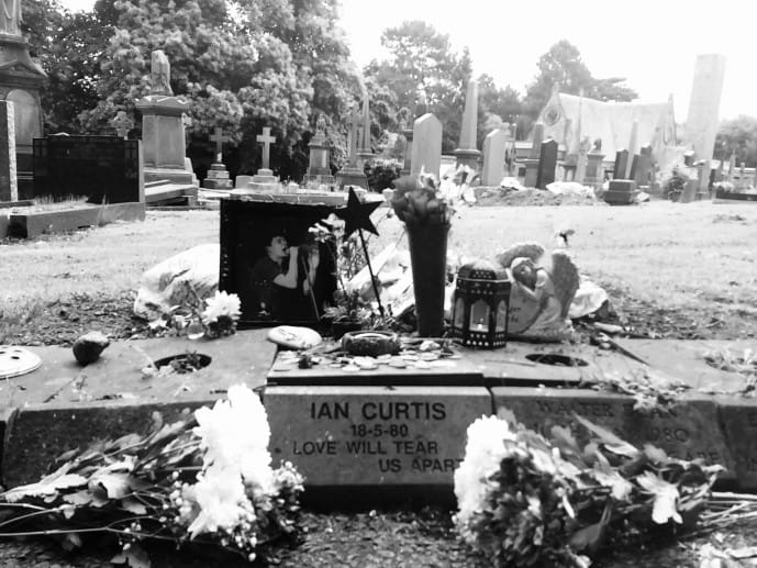 how to find ian curtis grave joy division