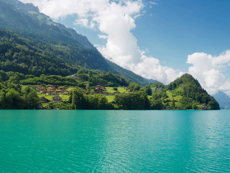 Lake Brienz turquoise water mountains