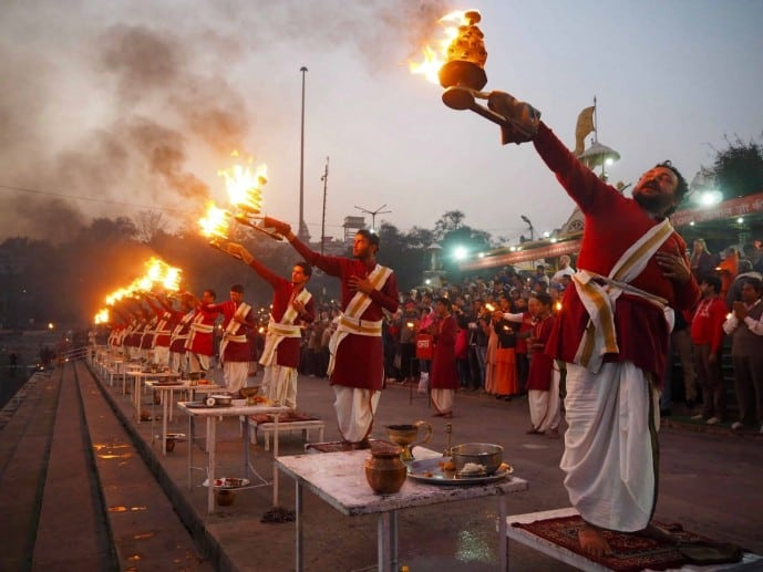 triveni ghat aarti | rishikesh travel guide