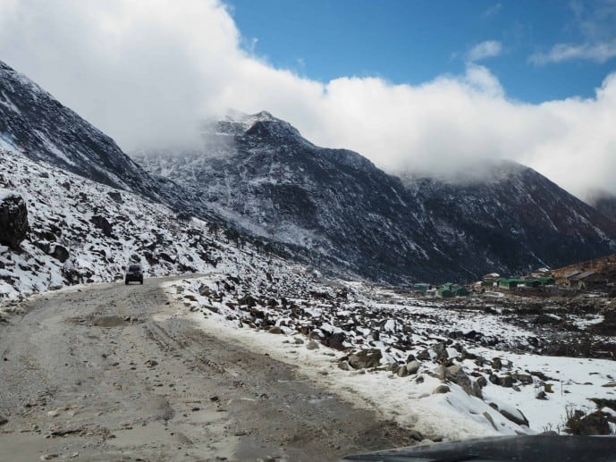 tawang road sela pass