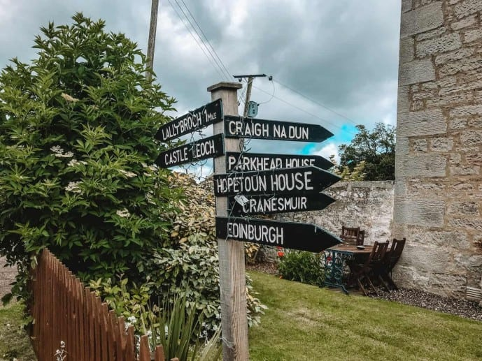 Parkhead House Outlander Sign