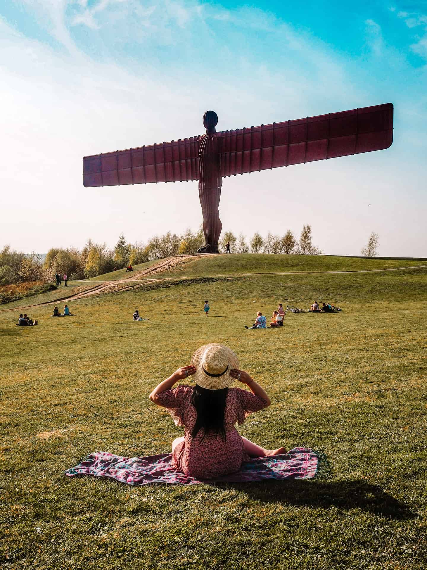 how to visit angel of the north