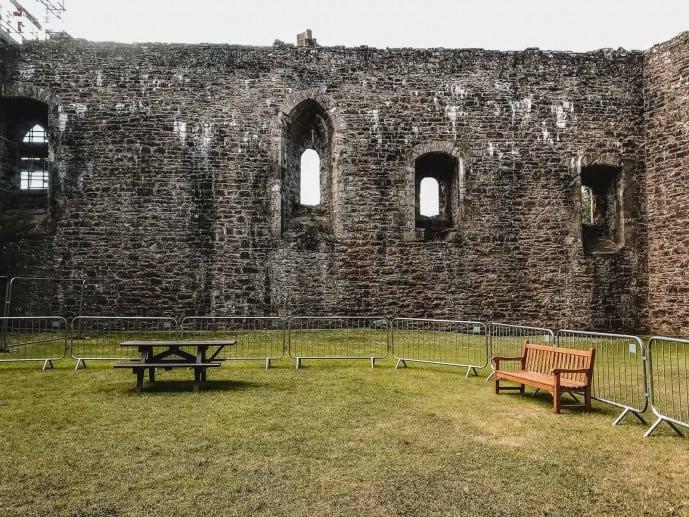 Castle Leoch Courtyard