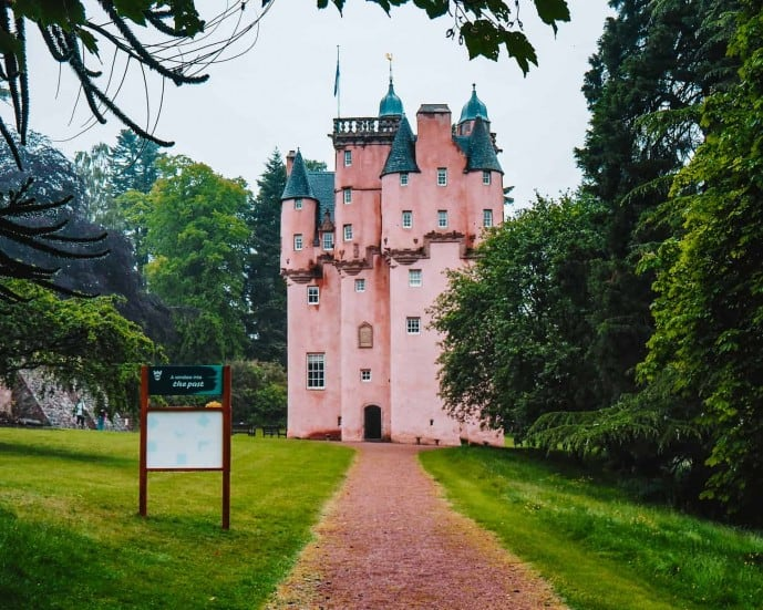 Where is the Pink Castle in Scotland | Craigievar Castle