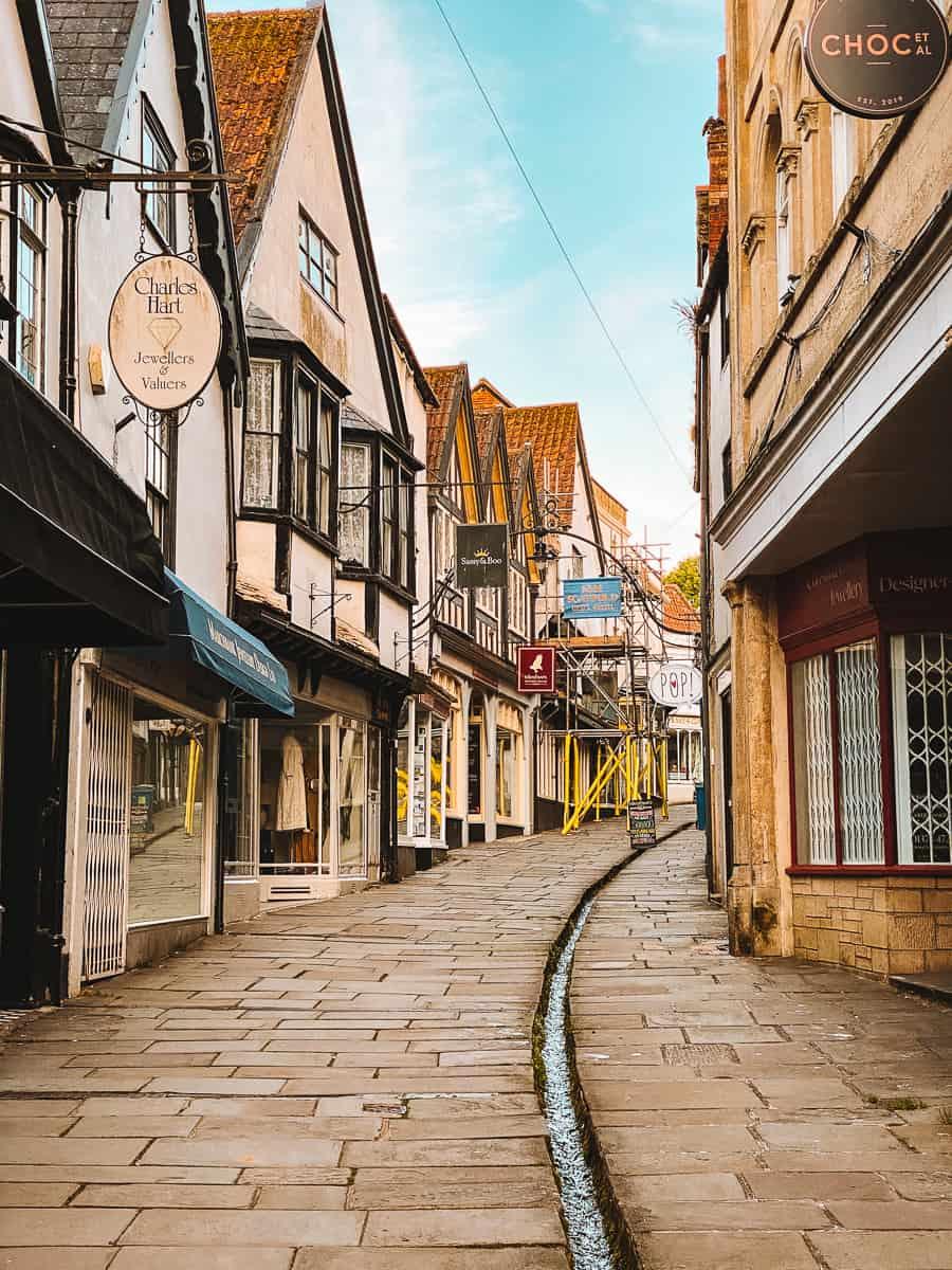 Cheap street frome shops