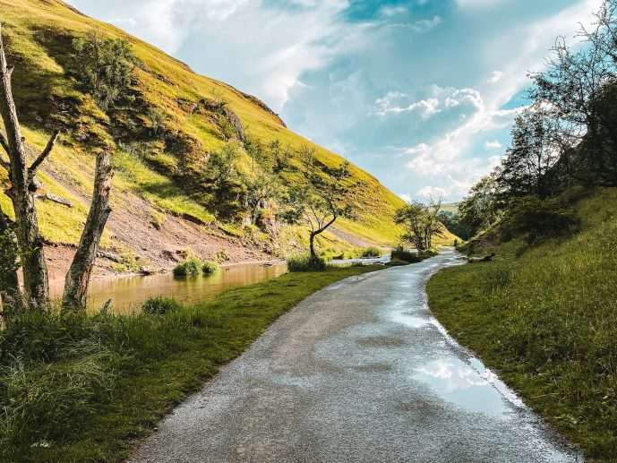 Dovedale Valley walking path