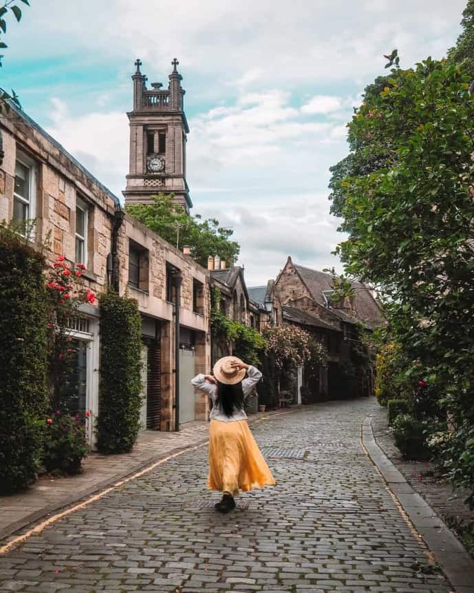 Instagrammable Places in Edinburgh | Circus Lane Edinburgh