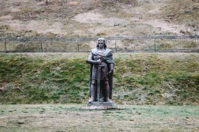 Grand Duke Vytautas statue