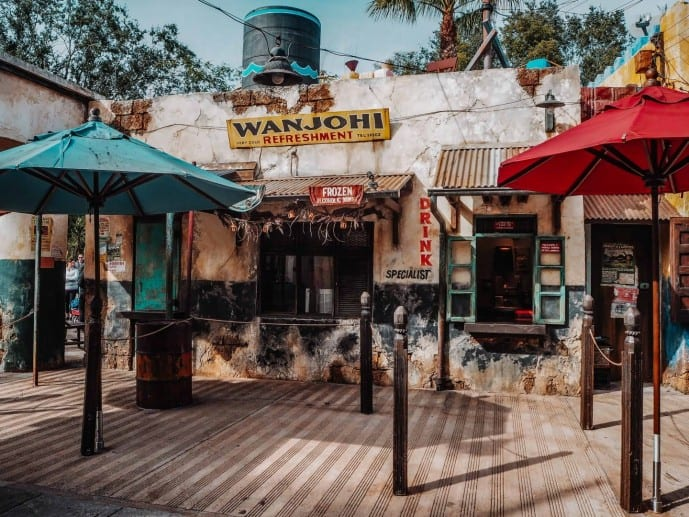 photo spots harambe market disney walls