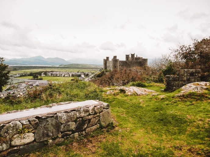 the Harlech Castle Viewpoint on Ffordd Isaf Road