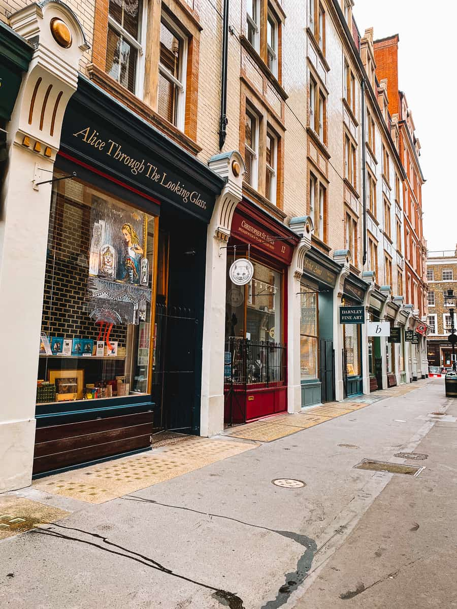 Cecil Court London Bookshops