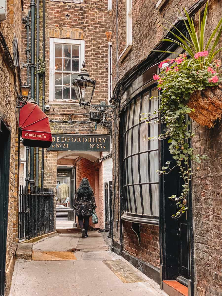 Giovanni's Restaurant Goodwin's court Covent Garden