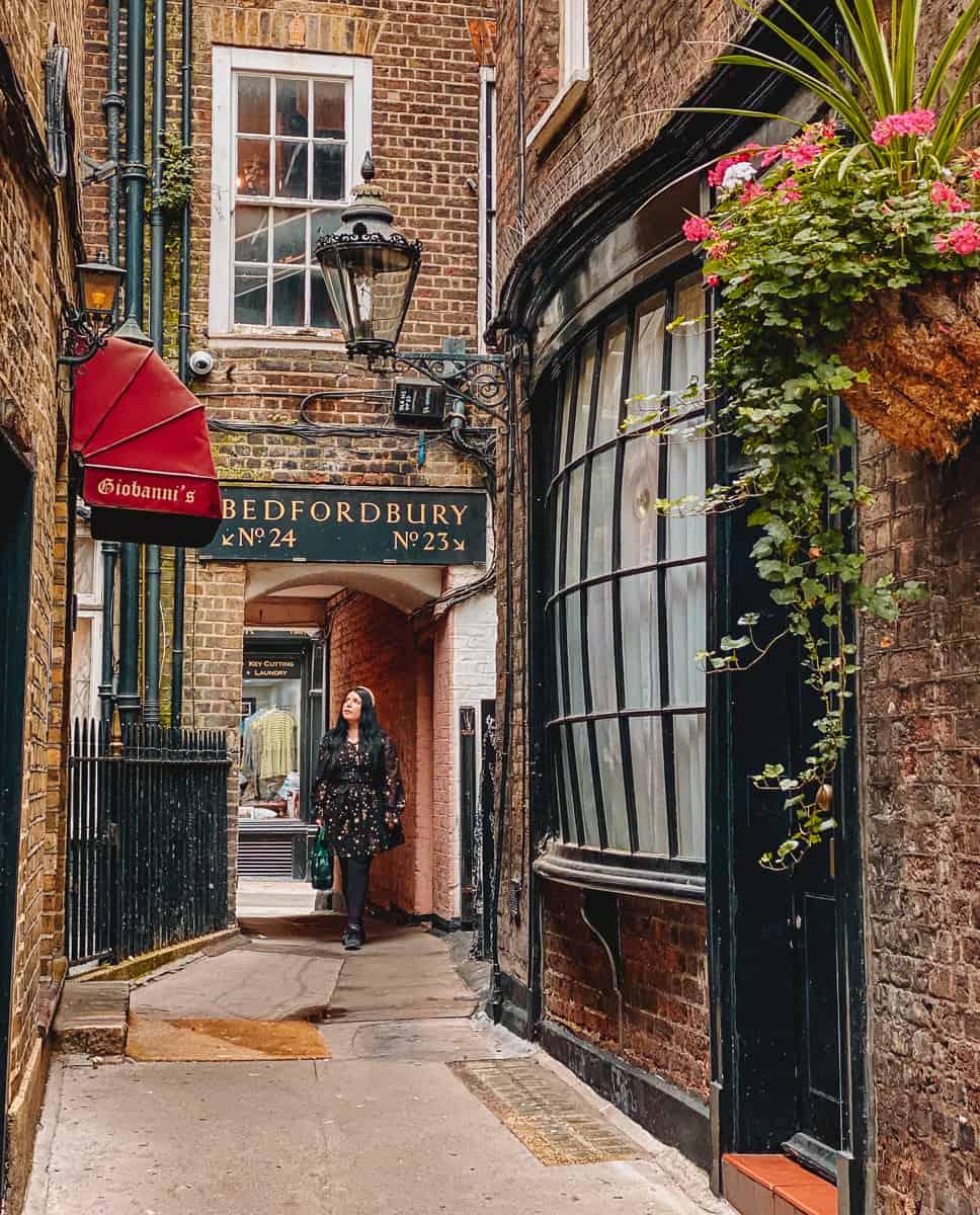 Harry potter Goodwin's Court Knockturn Alley