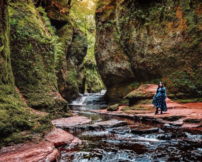 how to find the Devil's Pulpit Liar's Spring from Outlander