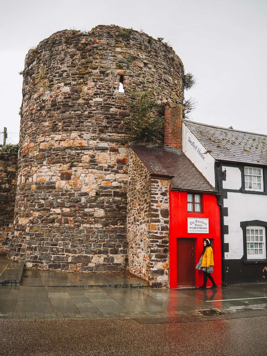The Smallest House in Britain!