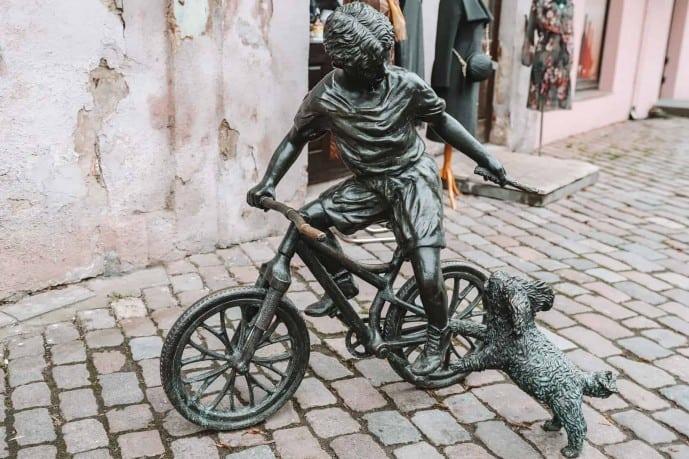 Boy on a Bike Statue Kaunas Nežiopsok!