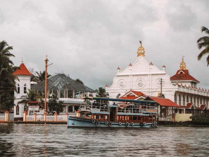 Alleppey public ferries | Places to visit in Alleppey in 1 day