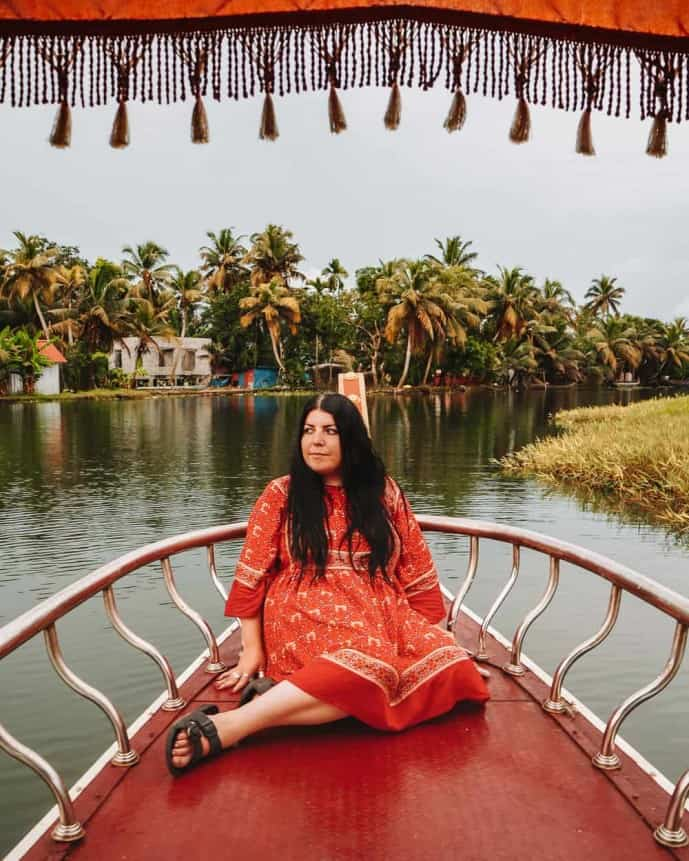 Places to visit in Alleppey in 1 day | Shikhara Boat Alleppey Backwaters