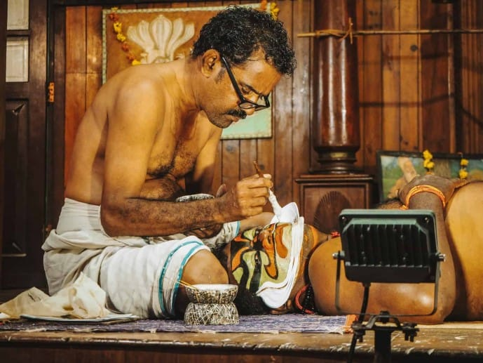Chuttikkaran for Kathakali