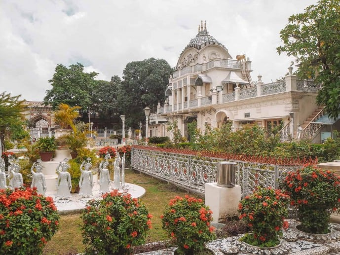 Parashnath Jain Temple in Kolkata