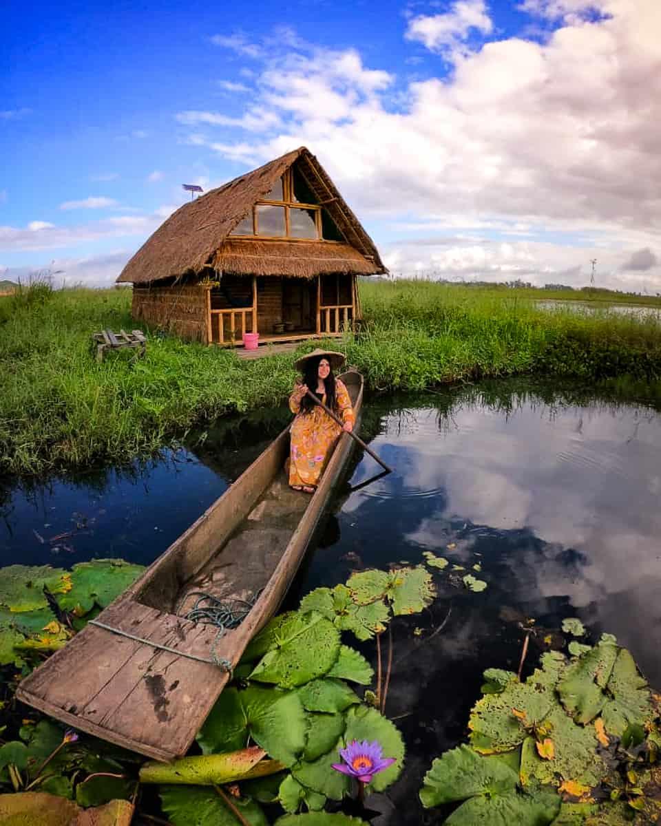 Loktak Aquamarine floating homestay