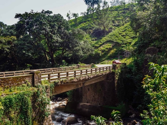 Bridge in Munnar | Bus to Lakkam Waterfalls