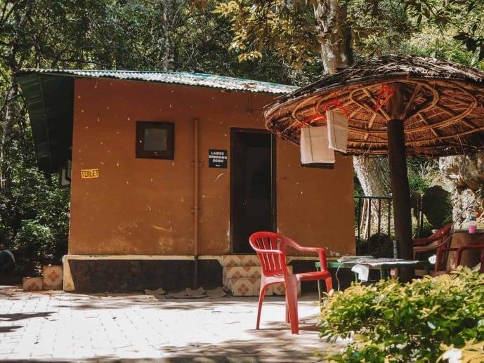 Lakkam Falls changing rooms