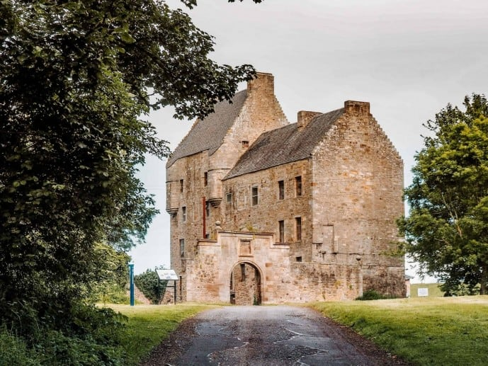 Where is Outlander filmed? Midhope Castle Lallybroch