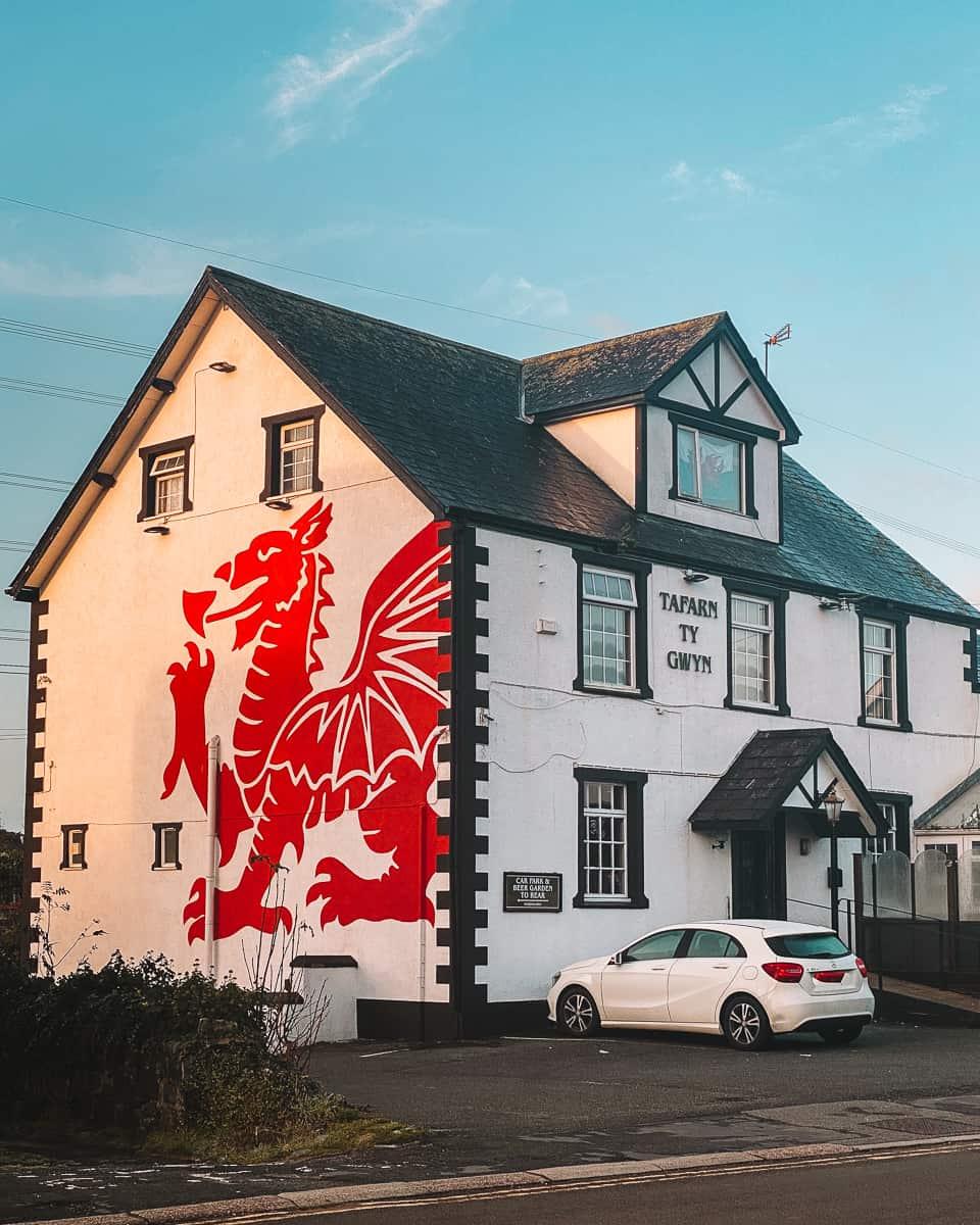 Welsh Dragon pub at Llanfair