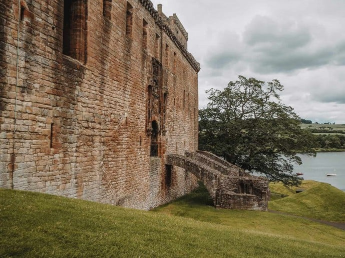 The old bridge entrance to Linlithgow Palace