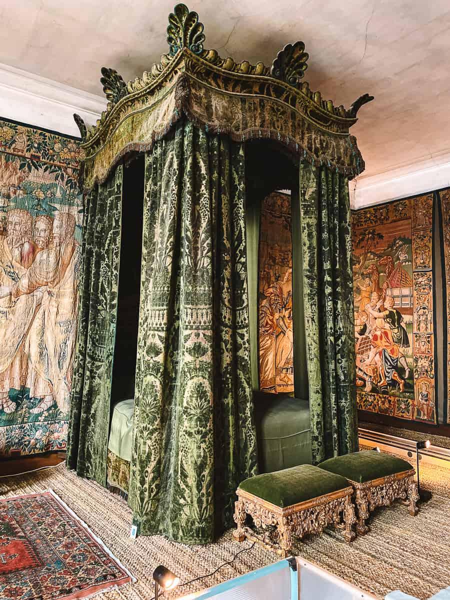 Hardwick Hall Green Velvet Bedroom Draco MAlfoy Manor Slytherin