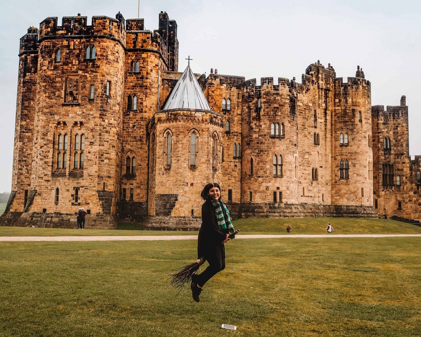 alnwick castle harry potter film locations | Alnwick Castle Broomstick Lessons
