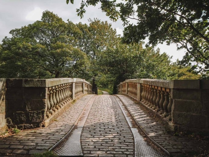 There are plenty of Pollok Country Park Outlander locations to explore