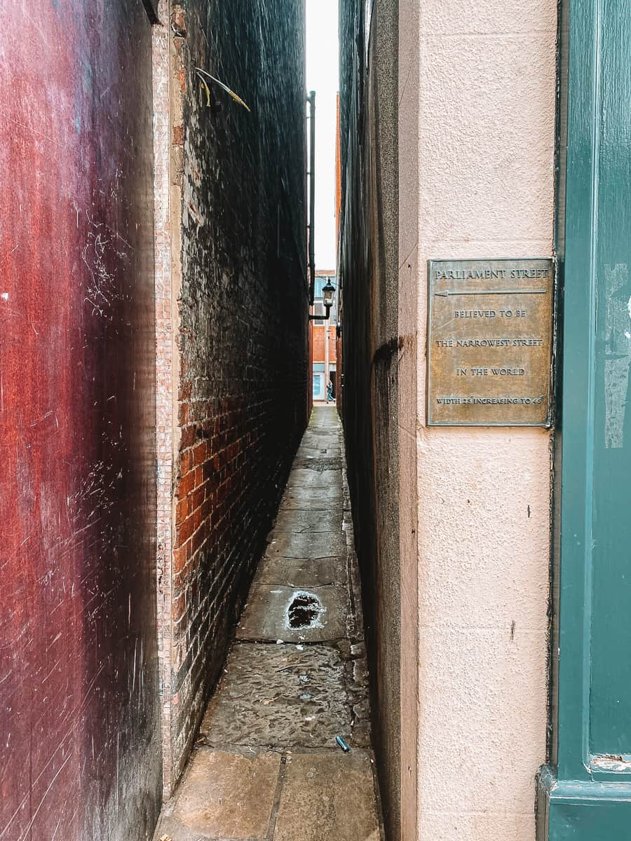 Parliament Street Exeter plaque for Narrowest Street in the World