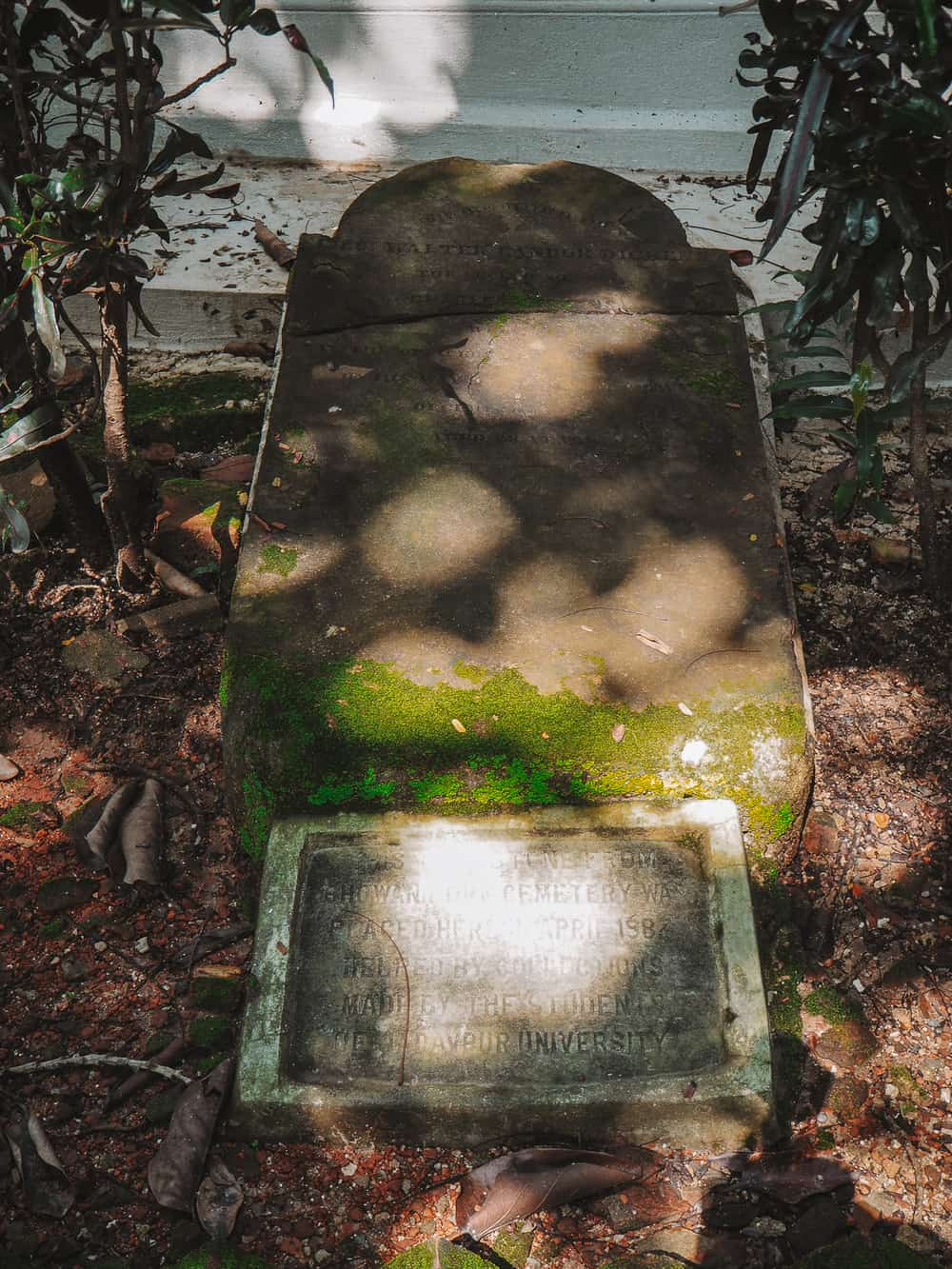 Walter Landor Dickens Tomb