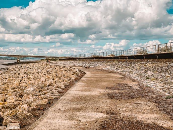 Severn beach path to the Severn Bridge