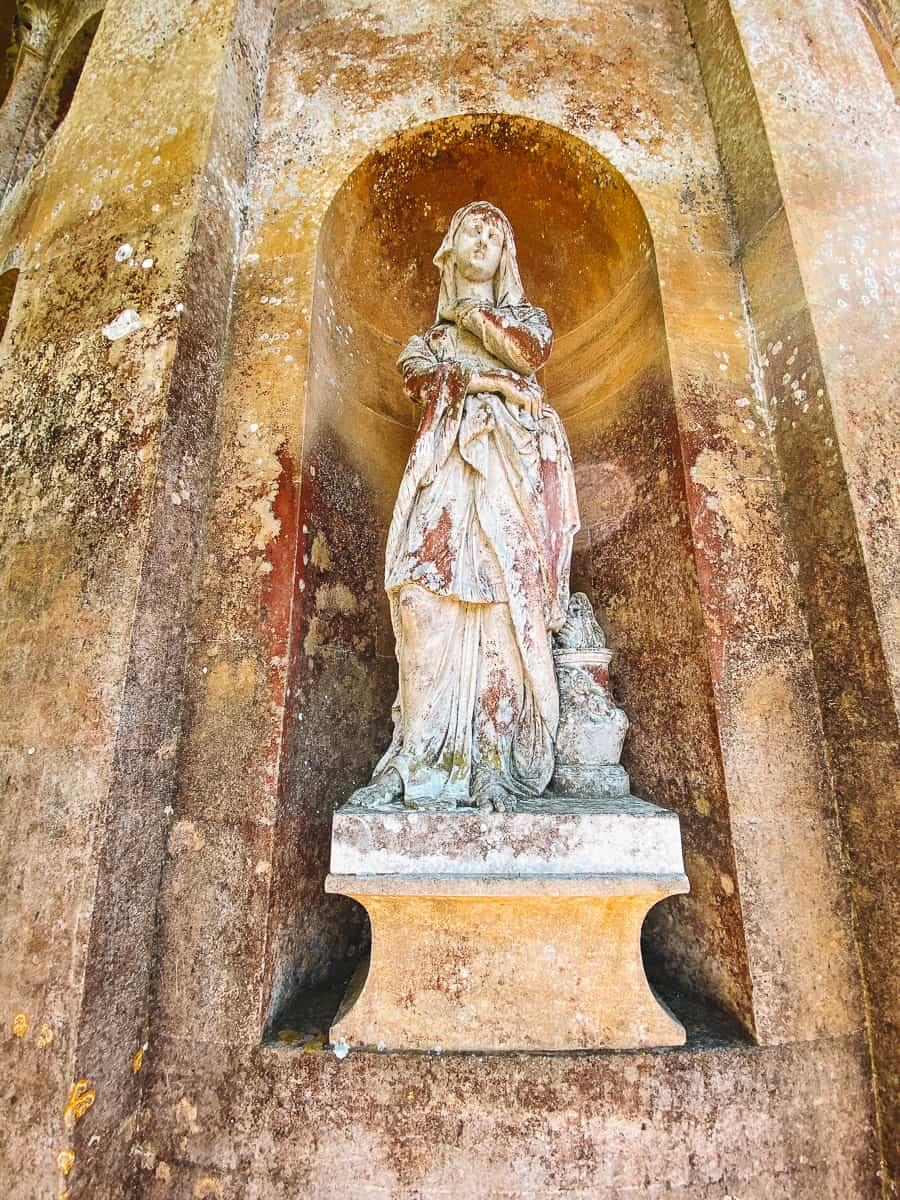 Statues outside the Temple of Apollo Stourhead