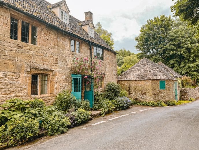 National Trust holiday cottages snowshill
