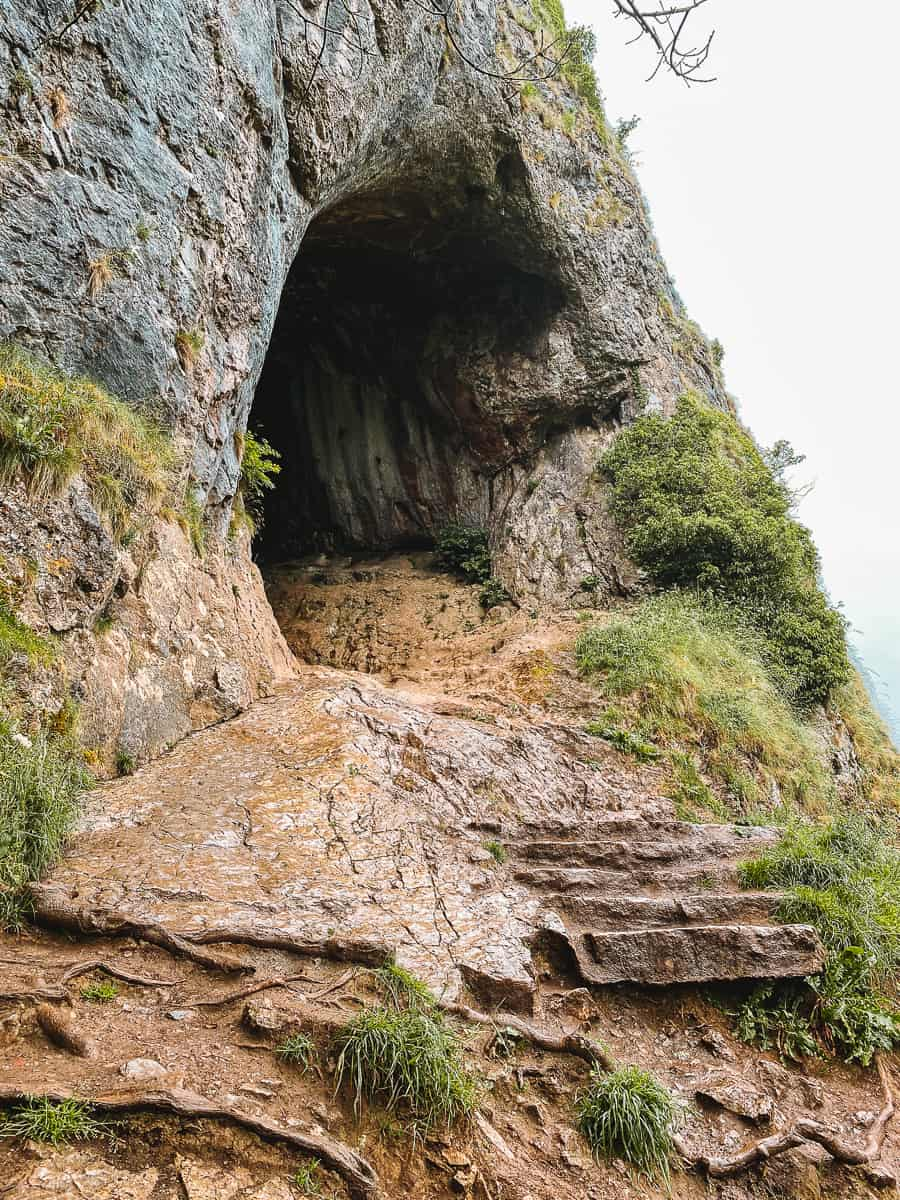 Entrance to Thor's Cave