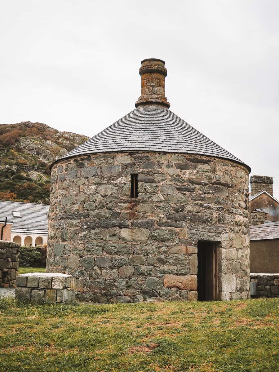 Ty Crwn Barmouth Roundhouse Jail Lock Up