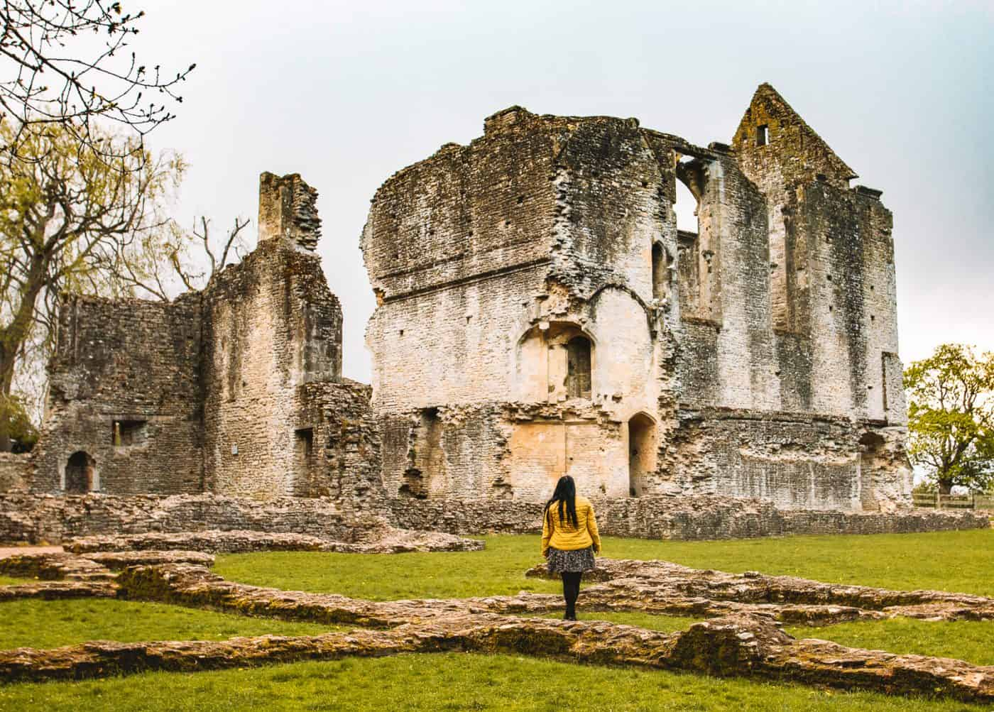How to Visit Minster Lovell Hall Ruins Oxfordshire