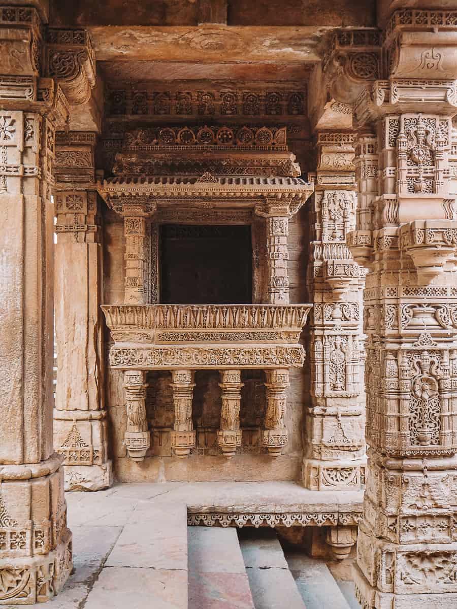 Adalaj Stepwell Balcony carved in sandstone