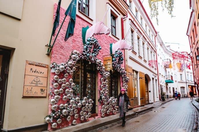Love sTory Cafe vilnius christmas display pink unicorns