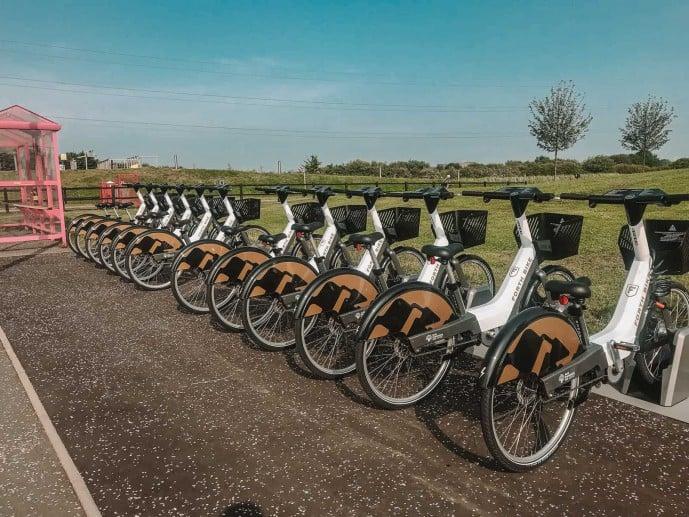 Forth Bikes at the Kelpies