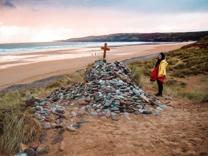 How to find Dobby's Grave location in Freshwater West Beach Harry Potter Pembrokeshire