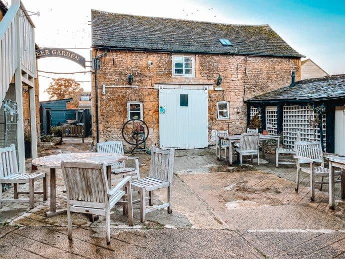 The Bell inn Moreton in Marsh courtyard