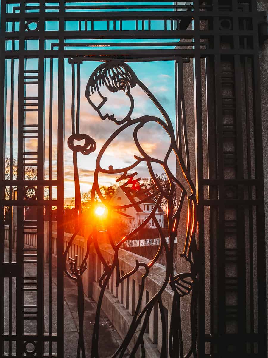Vigeland Sculpture Park Gates sunset
